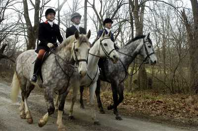 Riders head out from Hunter's Rest for a day with the Old Dominion Hounds.